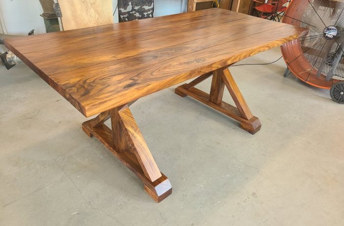 Rosewood Table – Country Style